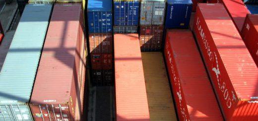 Containerstapel in der Bereitstellung