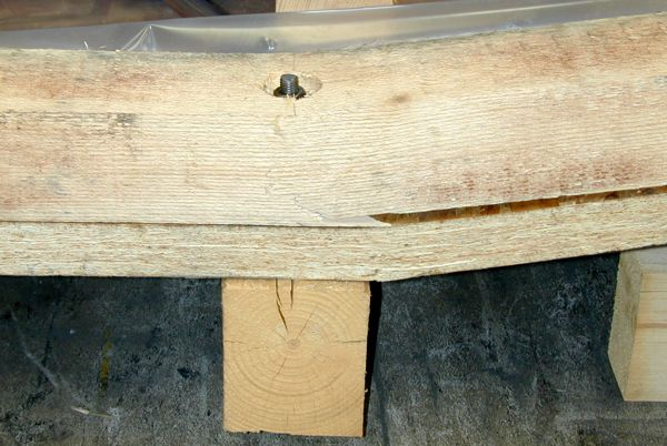 Exportverpackung gebrochenes Kopfholz durch Bohrung und Versenkung