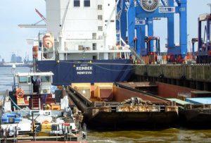 Schuten im Hafen